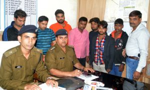 ghaziabad 7 arrested in highway iron road robbary