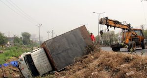 ghaziabad truck accident