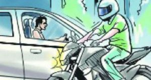 bike crash noida